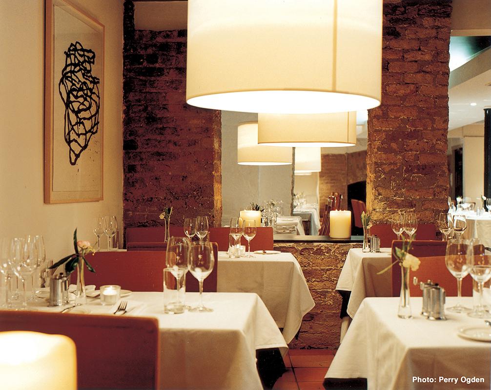 2 Town Bar & Grill - Interior