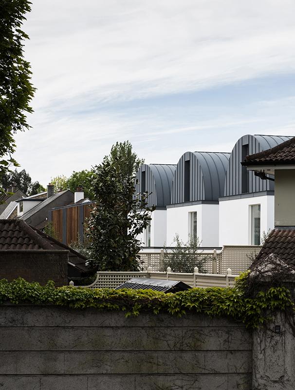7 Morehampton Lane - Side View