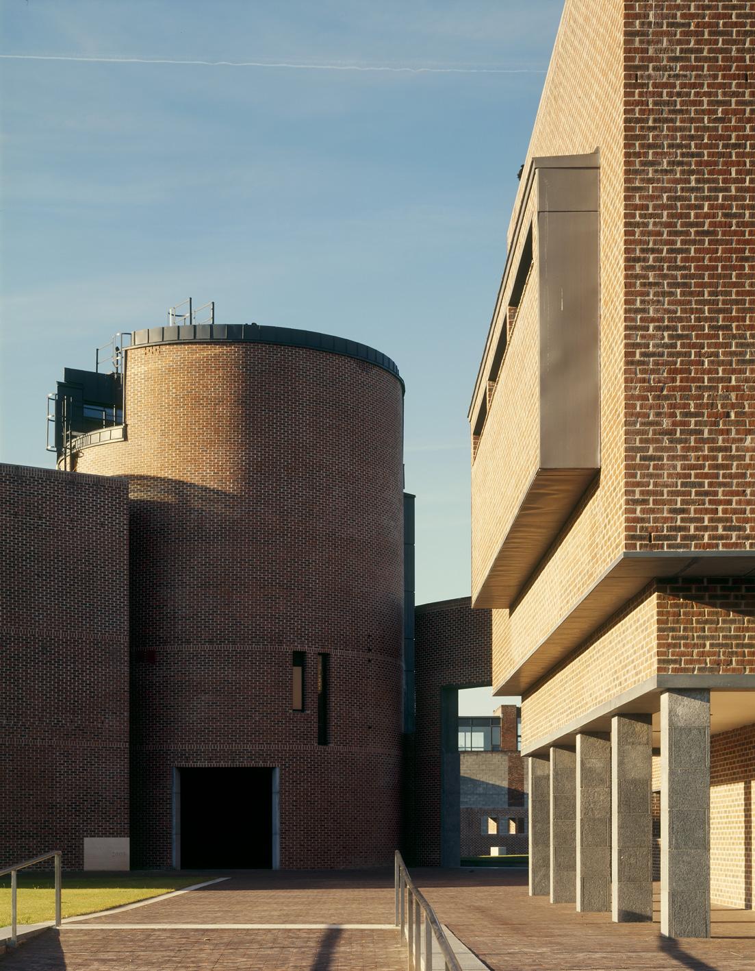 2 CIT - Administration Building