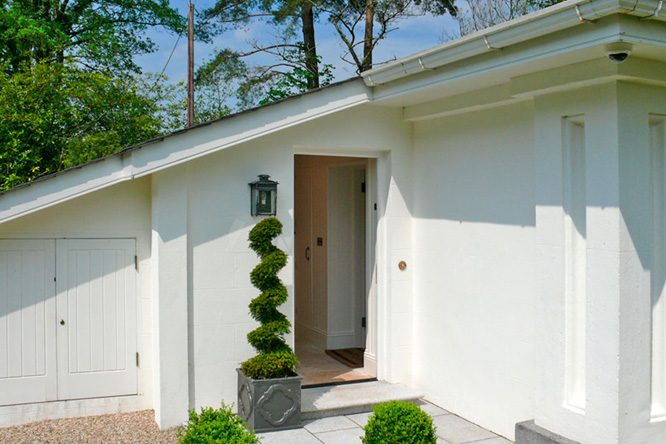 2 Gate Lodge - Entrance