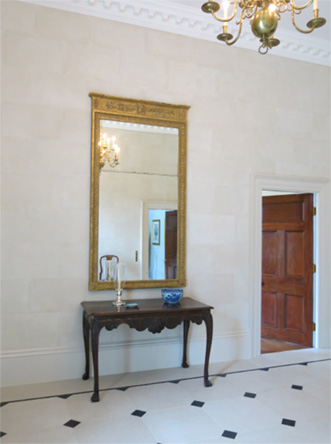 5 Coolmore House - Hall