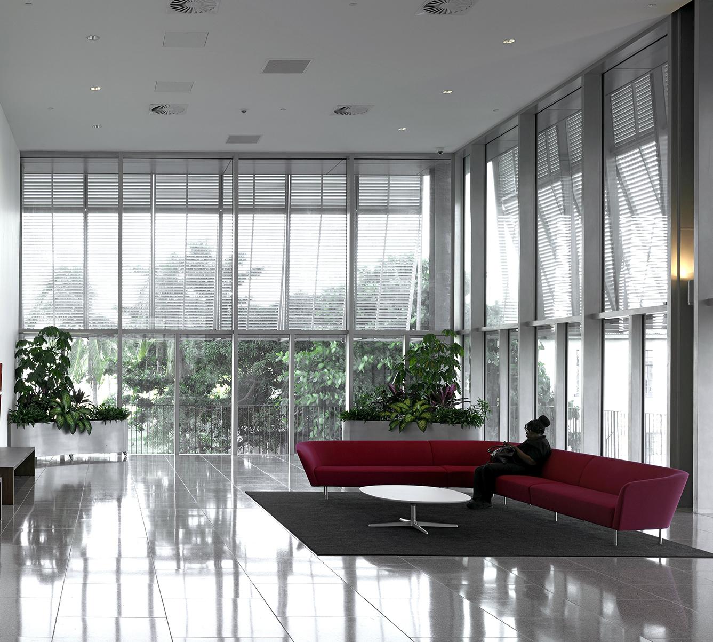 5 Digicel - Interior