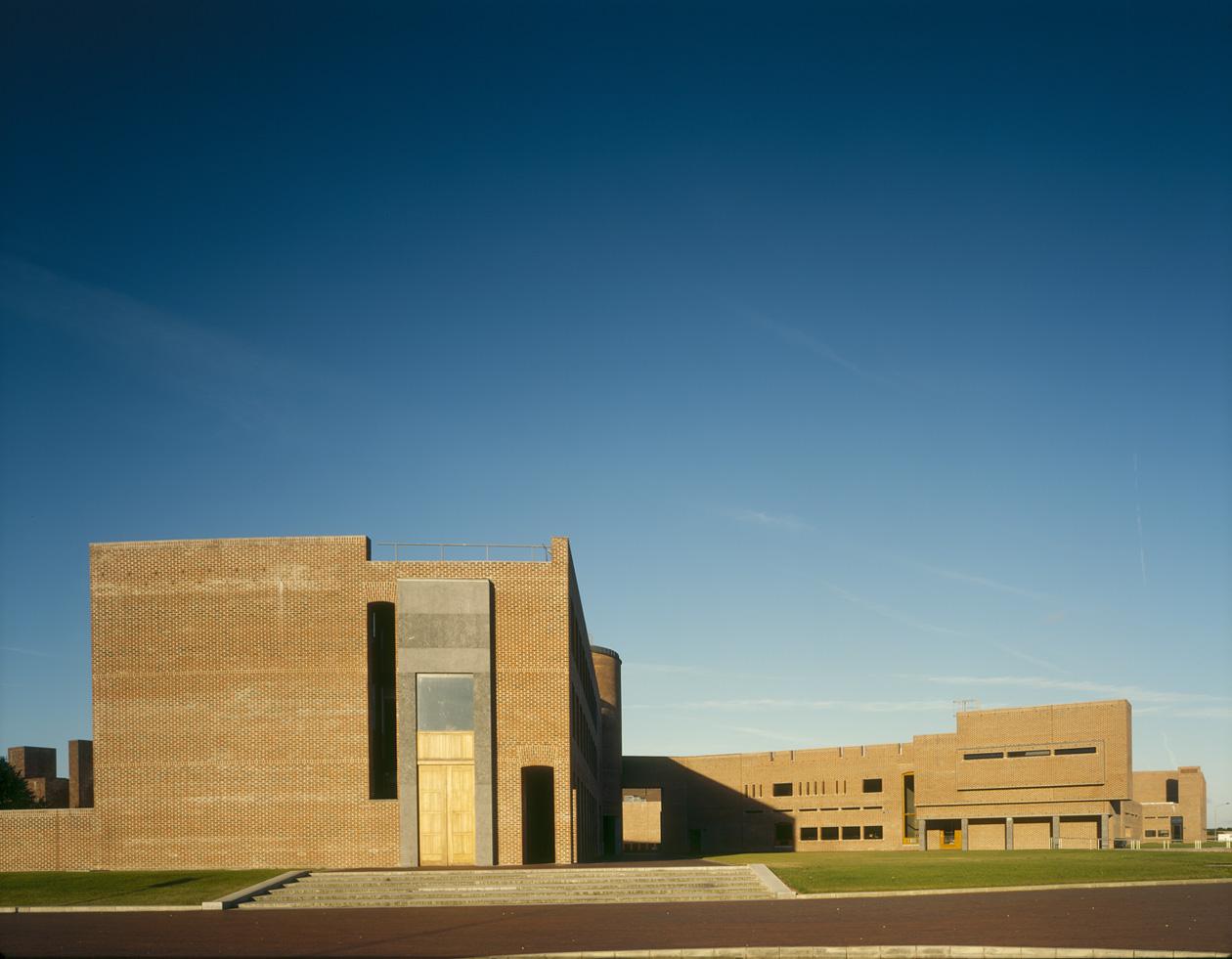 6 CIT - Administration Building